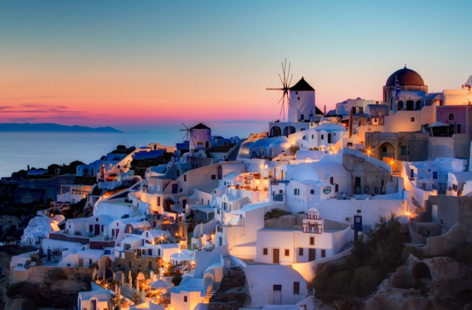 Σαντορίνη ηλιοβασίλεμα ρομαντικά νησιά