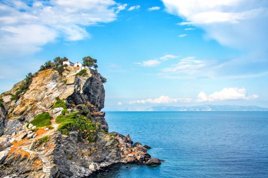 Σκόπελος βράχος μοναστήρι καλοκαιρινοί προορισμοί Θεσσαλονίκη